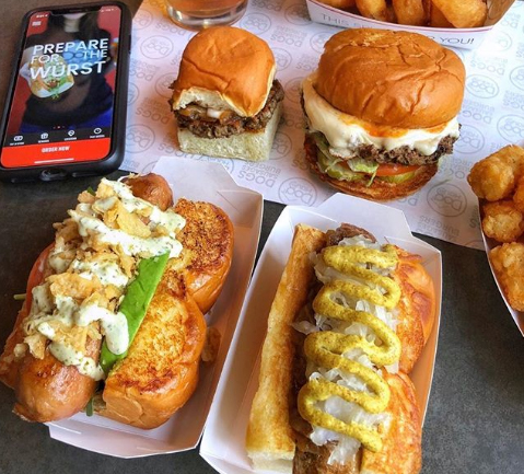 Dog Haus Signs onto Kitchen United Chicago